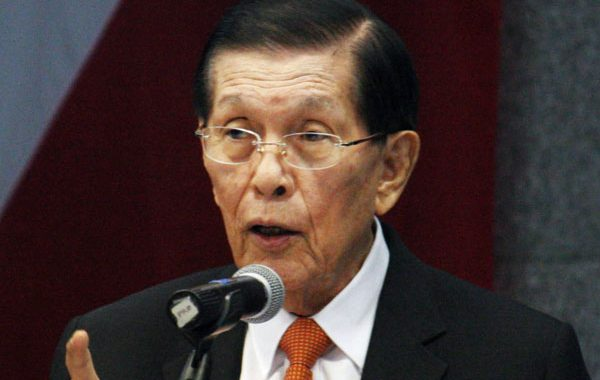 Impeachment case laban kay Pang. Duterte tinawag na useless exercise ni dating Sen. Enrile