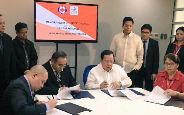 Eagle Broadcasting Corporation at Philippine Red Cross, lumagda sa isang memorandum of understanding