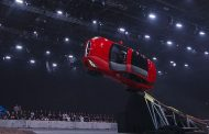 Professional stunt driver sa Canada muli na namang nakapagtala ng  bagong gravity-defying world record