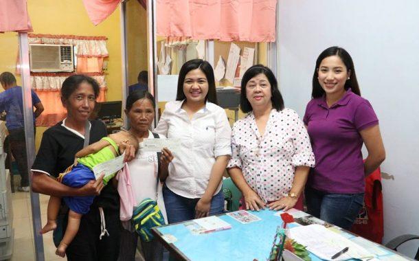 48 Pamilya na Nasalanta ng Bagyong Lando sa San Jose City, Nueva Ecija, Tumanggap ng 10K na Cash Assistance