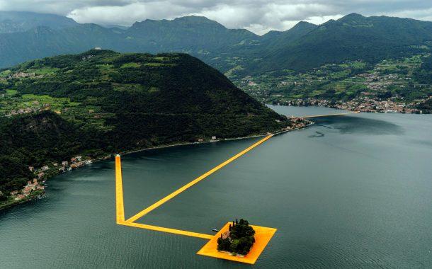 Floating pier sa Italya