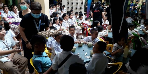 Feeding program, isinagawa ng Eagle Broadcasting Corporation sa Culiat Elementary school