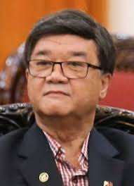 Justice Secretary Vitaliano Aguirre, pinagbibitiw sa puwesto dahil sa umano'y pag-abuso sa kapangyarihan