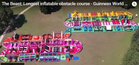 Pinakamalaking Inflatable obstacle course sa buong mundo