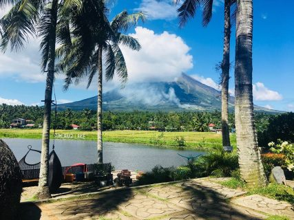 Kagandahan ng Albay, patuloy na dinarayo....bilang ng mga turistang nagtutungo doon, umaabot ng 1.2 milyon taun-taon