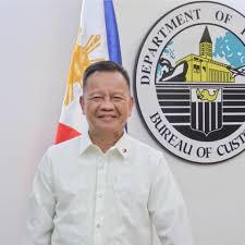 Customs Commissioner Isidro Lapeña, hindi bababa sa puwesto