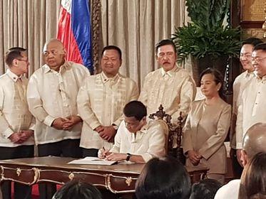Batas na babago sa ranggo ng PNP, pinirmahan na ni Pangulong Duterte