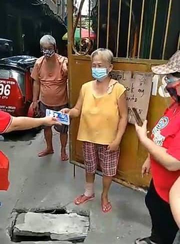 Libreng washable facemask ipinamahagi sa mga Senior Citizens ng Quezon City