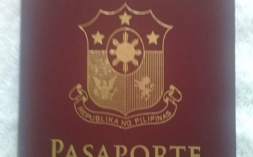 Iba't-ibang kulay ng mga pasaporte, may kahulugan