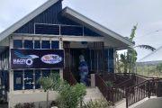 Radio station studios na yari sa container vans, pinasinayaan