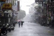 Mahigit 150,000 indibidwal sa Southeastern India, inilikas dahil sa pagtama ng Cyclone Nivar