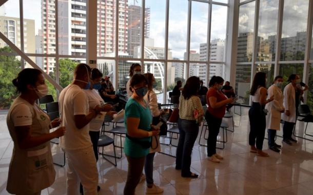 Global vaccine campaign, bumilis matapos aprubahan ng Brazil ang simula ng pagbabakuna