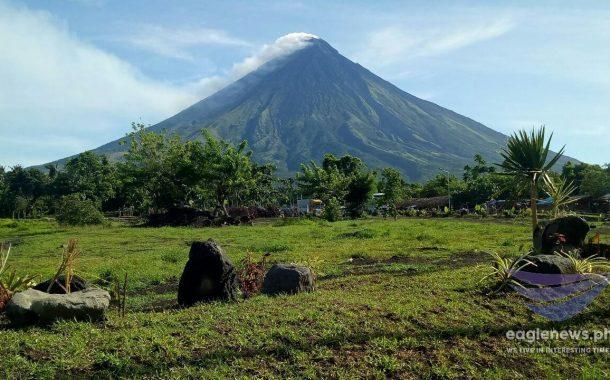 Apat na volcanic quakes , naitala sa Mayon Volcano