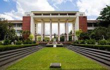 Panukalang batas para sa libreng pag-aaral sa kolehiyo sa mga State Colleges and Universities pinirmahan na ni Pangulong Duterte