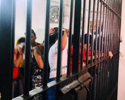 29 suspek na naaktuhang nagbebenta ng iligal na droga, arestado ng EPD sa buy bust operation sa Pasig City