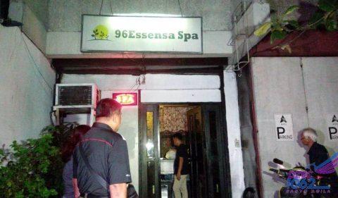 Spa sa Quezon City na nagbibigay umano ng extra service sa mga customer, sinalakay ng mga otoridad