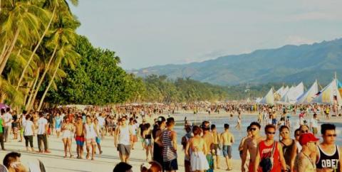 Beach parties, hindi maaaring ipagbawal sa Boracay dahil sa pagiging isang Tourist destination at party island- Mayor Cawaling