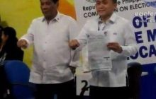 Former SAP Bong Go, mananatili pa rin sa tabi ni Pangulong Duterte kahit kakandidato na ito bilang Senador