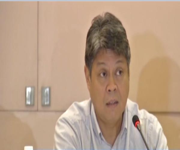 Senator Francis Pangilinan nagbitiw bilang presidente ng Liberal Party.